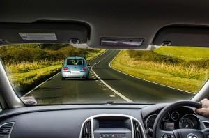 Multa y reclamación a concesionarios de coches